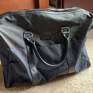 B2GOFREE 🍭Michael Kors duffel bag